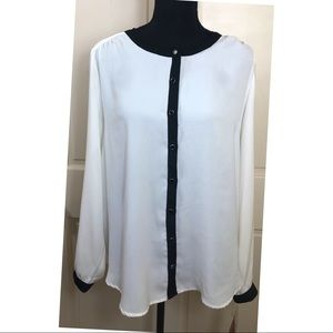212 Collection White with black trim crepe blouse
